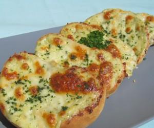 Crostinis de queso y ajo