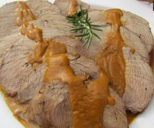 Ternera asada en salsa de verduras