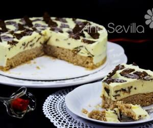 Tarta helada de vainilla y chocolate