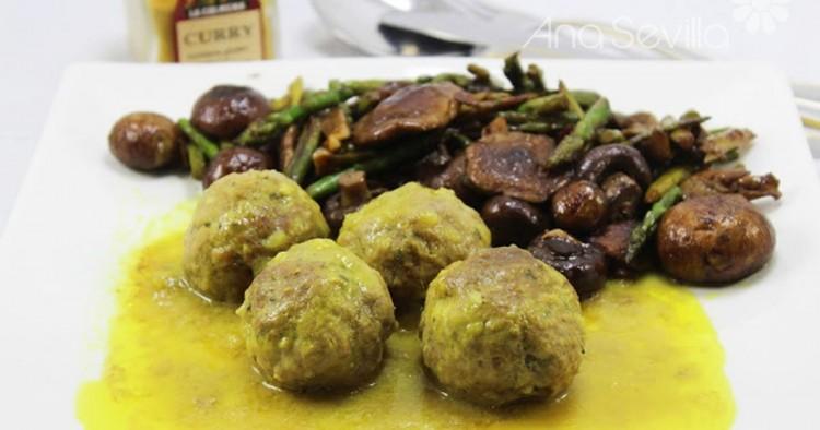 Albóndigas en salsa de curry