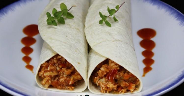 Tacos de pollo y tomate