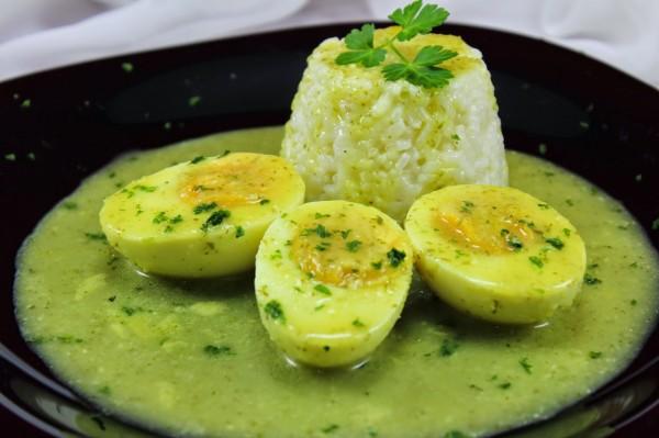 Huevos en salsa verde Ana Sevilla con Thermomix