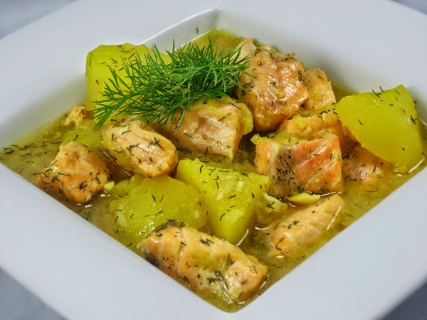 Guiso de salmón con patatas Ana Sevilla cocina tradicional