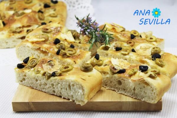 Focaccia de ajos negros cocina tradicional Ana Sevilla