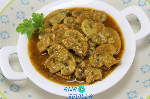 Champiñones en salsa de pimentón olla GM Ana Sevilla
