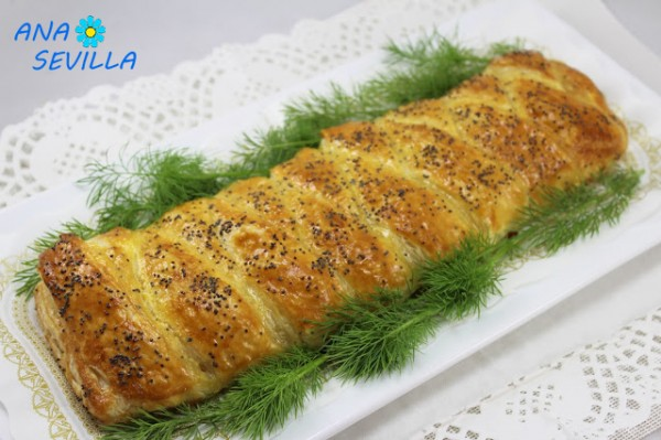Trenza de hojaldre y salmón fresco cocina tradicional casera