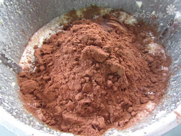 Bizcocho de calabacín y chocolate olla GM