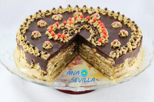 Tarta de galletas y moka Ana Sevilla cocina tradicional.