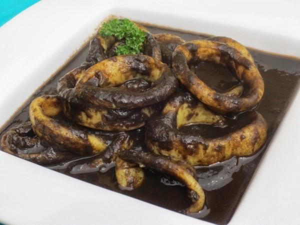 Calamares en su tinta Ana Sevilla Cocina tradicional
