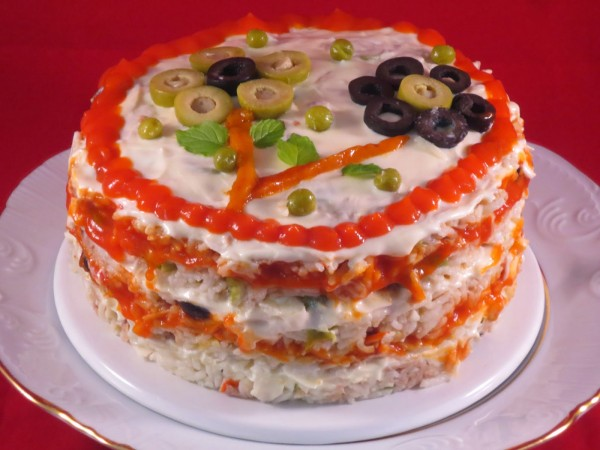Pastel de ensalada de arroz Ana Sevilla cocina tradicional