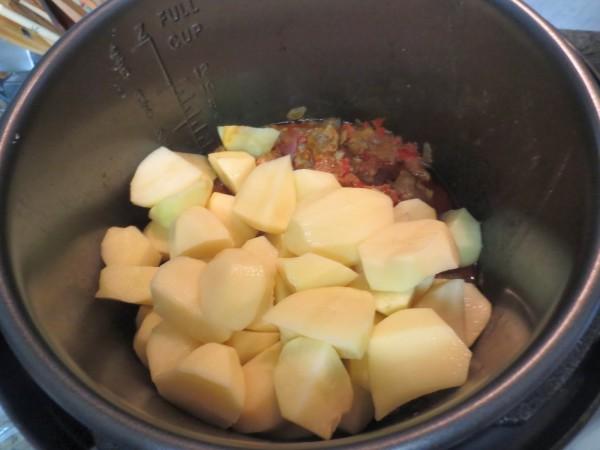 Patatas guisadas con costillas olla GM