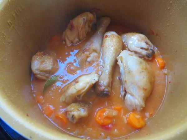 Pollo a la buena mujer