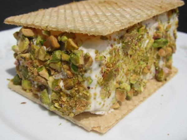 Helado de yogurt y pistachos Ana Sevilla