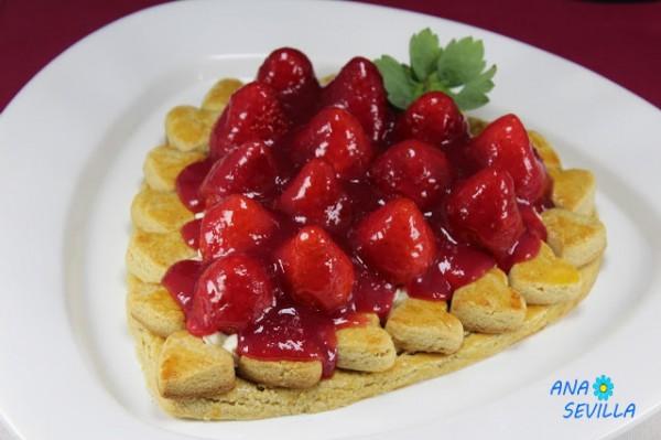 Tarta de galleta, nata y fresas Ana Sevilla con Thermomix
