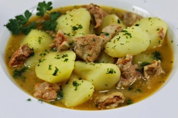 Guiso de solomillo con patatas Thermomix