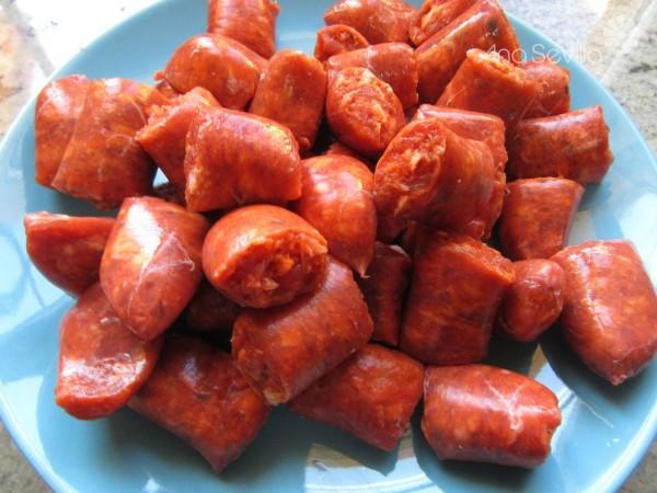 Macarrones con salchichas frescas Thermomix