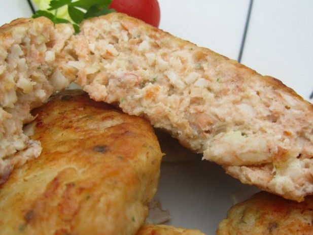 Hamburguesas de salmón amariscadas