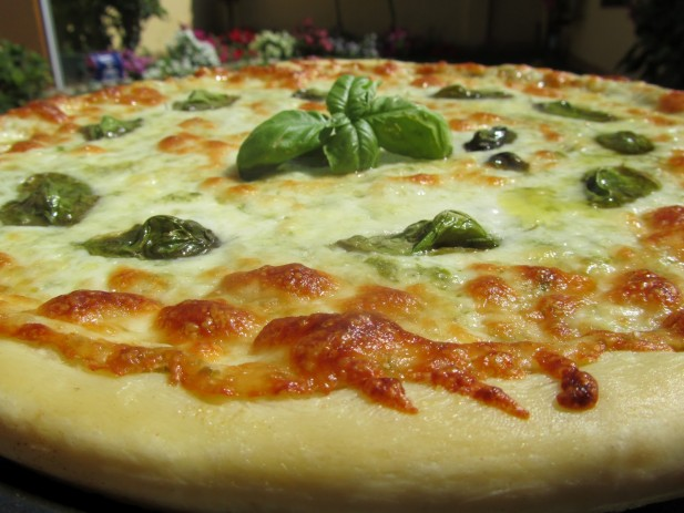 Pizza al pesto
