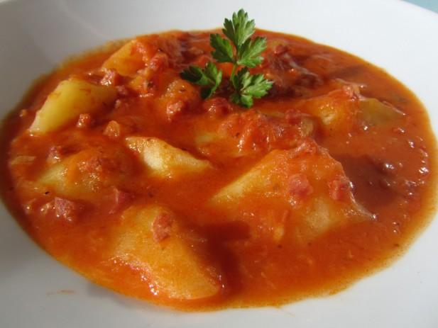 Patatas en salsa de jamón serrano
