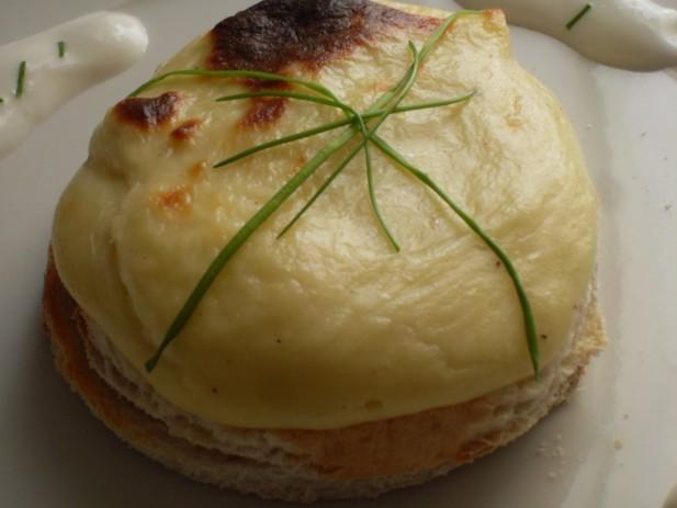 Huevos Mornay