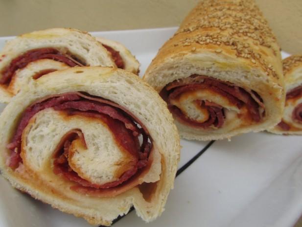 Pan relleno de ibéricos