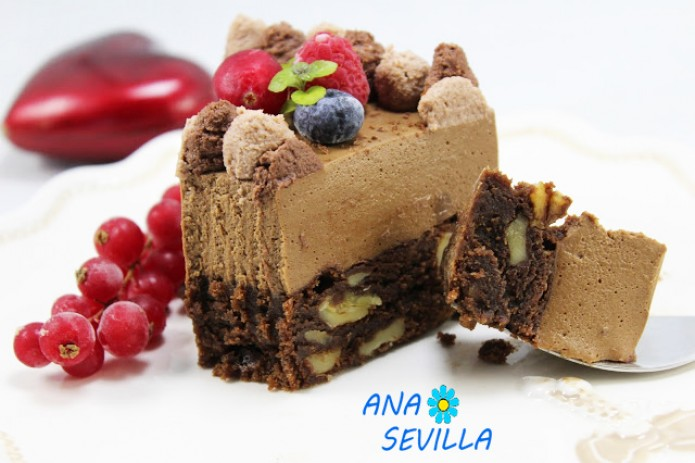 Tarta mousse de chocolate con brownie