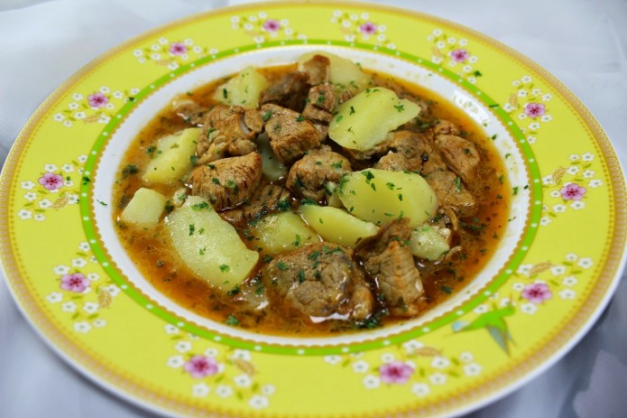 Guiso de solomillo con patatas