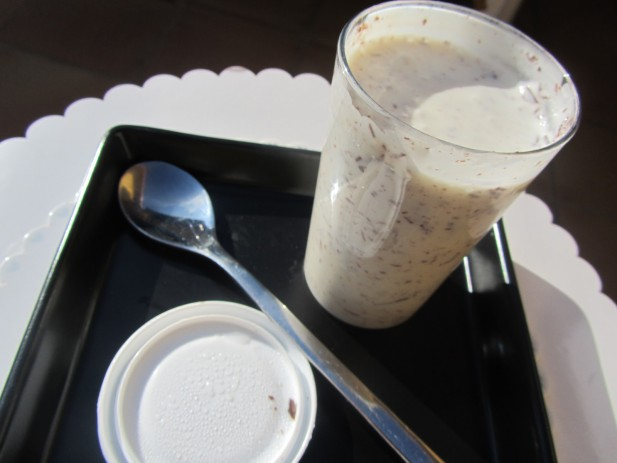 Yogur griego de stracciatella