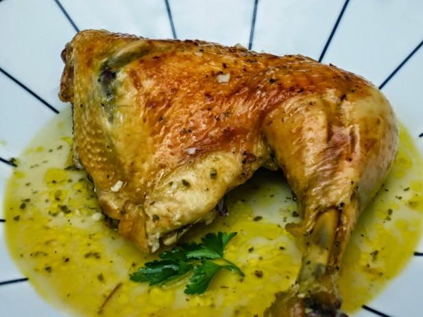 Pollo asado en su jugo